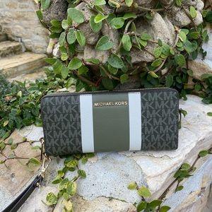 NWT Michael Kors Stripe LG Continental wallet